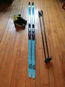Ensemble complet de ski de fonds à écailles