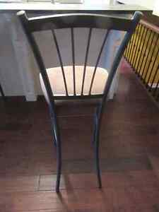 Looking for buying this chair London Ontario image 2