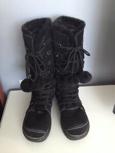 WARM WINTER BOOTS Size 9
