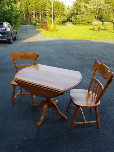 Solid Maple Dining Table and 2 Chair Set