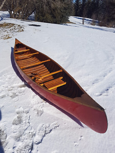 15' Wooden Canoe with Paddles