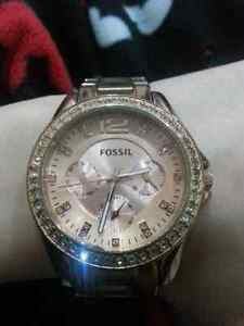 Womens rose gold fossil watch Cambridge Kitchener Area image 1