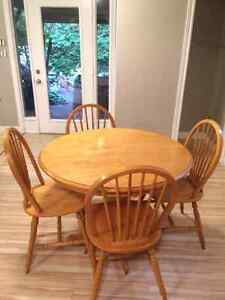 Solid wood 40 inch round table set