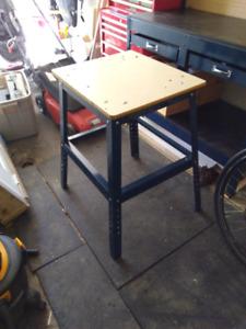 Mastercraft work stand / table de travail