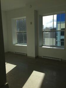 Studio Loft-Downtown-272 Main St- April 1 Occupancy