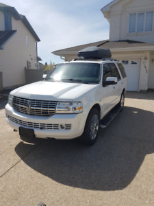 AWESOME Lincoln Navigator 2010, 212000 KM, Price 16800 Dollars