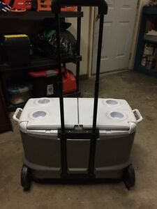Rubbermaid Rolling Cooler