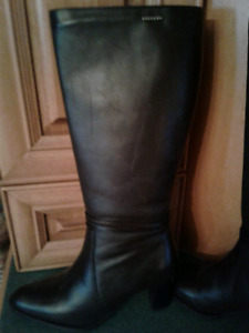 Brown Leather Look Boots - Sz 8 1/2 B NEW!