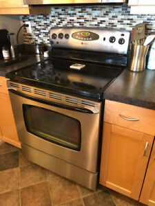Maytag range for sale - great condition