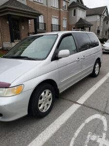 Honda odyssey 2003 2200$