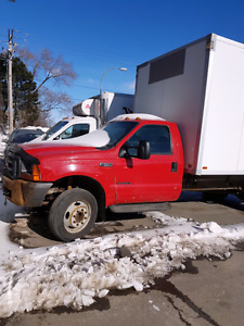 Ford F-550 Camion Cube 250 000km pneus neuf