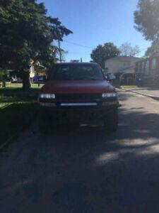 Truck Chevrolet Silverado 1500 à vendre 3000$ négociable