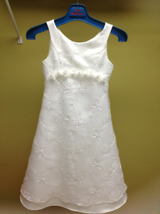 Gorgeous dress - worn once - like new  size7/8