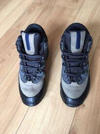 Walking Boots Solomon Size 8 UK