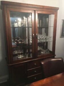 DINNING ROOM SET, 6 LEATHER CHAIRS + CABINET