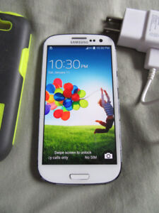 Unlocked Samsung S3 white 16GB with Charger and Case