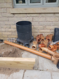 Drains and pipes fitting