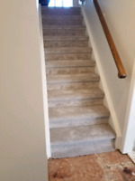CARPET INSTALLER STAIRS / ROOMS