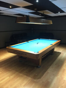 Used Professional 9ft Diamond Pool table Excellent Condition