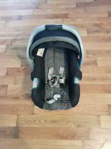 Stroller,carseat and base, in good condition