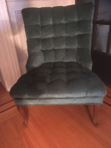 Queen Anne Slipper Chair