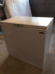 Frigidaire deep freezer 10 cubic feet