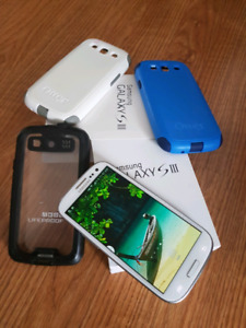 Samsung S3 and Innos i7 white