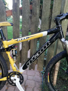 Giant XTC DS1 XC Bike Frame and Some parts
