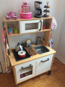 Ikea Duktig Minicuisine et accessoires/Kitchen with accessories