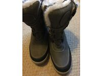Ladies snow boots uk size 7 small fitting