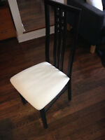 Set of 6 Structube dining room chairs in great condition.