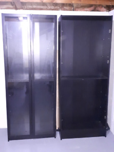 Desk and two bookshelves for sell