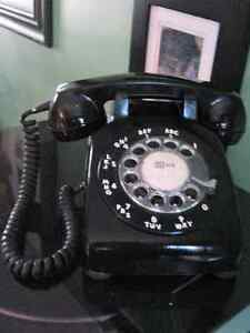 Vintage Black Rotary Telephone Made in Canada.