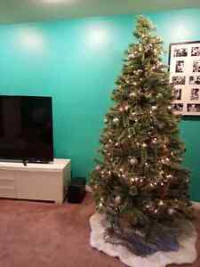 Stunning 8' cashmere tipped Christmas tree