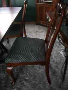 Dining Table + 6 Chairs London Ontario image 4
