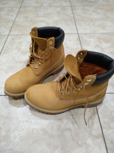 Timberland boots for men 9 1/2 like new