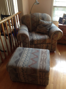 2 Lounge Chairs and Ottoman Made in Canada (All for $20)