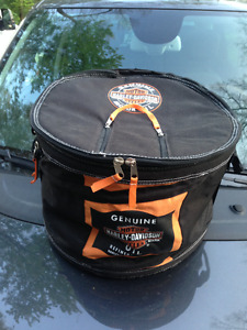 ORIGINAL HARLEY DAVIDSON COLLAPSABLE COOLER + 2 KOOZIES
