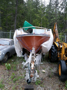 17.5ft fiberglass inboard boat and trailer