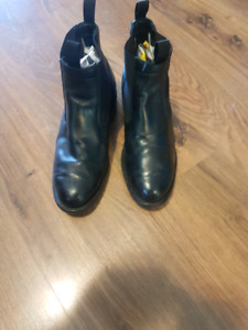 Mess kit ankle boots - sz 9