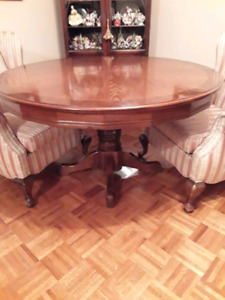 DINING TABLE ROUND SOLID WOOD