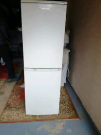 Lec Auto defrost Fridge freezer