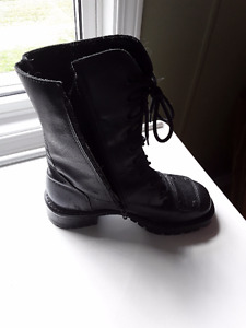 Ladies motor cycle boots