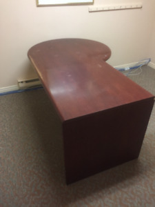 solid wood computer desk. Gently used