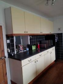 Kitchen Units and Worktop