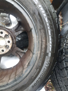 2 Michelin Hydroedge tires 225 60 16