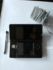 Black Nintendo 3DS with charger