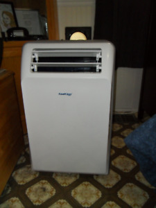 Portable Air Conditioner | Buy or Sell Home and Kitchen