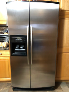 Side by Side - Kitchen Aid Refrigerator - Perfect Condition