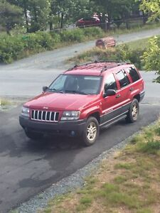2004 Jeep Grand Cherokee - low KM's for year.